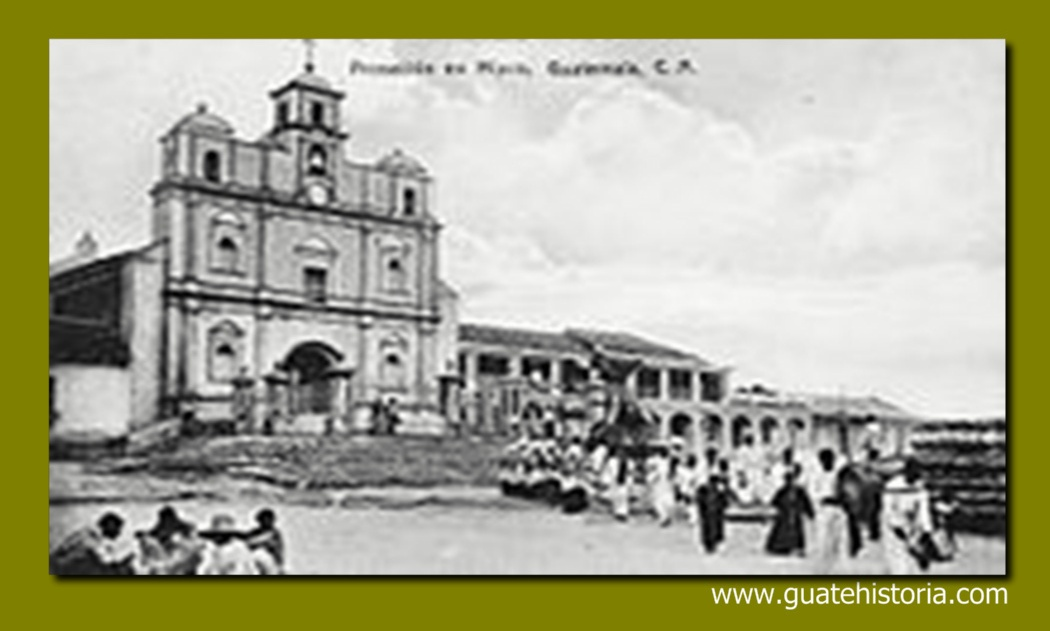 Procesión frente a la iglesia en 1910. Fotografía de Alberto G. Valdeavellano
